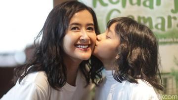 Pelajaran Berharga Film 'Keluarga Cemara' bagi Widi & Widuri