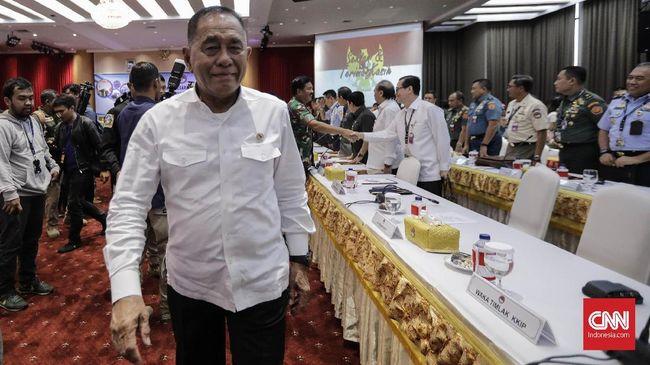 Demi mencegah ada upaya pihak lain merusak TNI dan Polri yang menjaga NKRI, Menhan menyatakan akan mengeluarkan pernyataan tegas.
