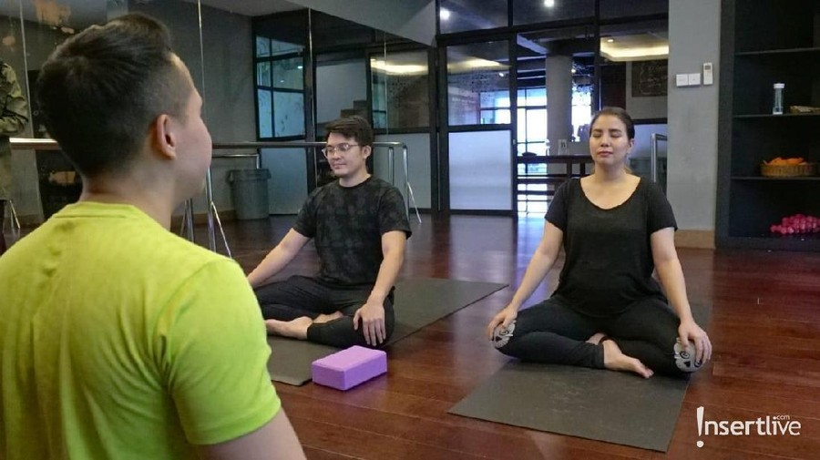 Ada Indikasi Preeklamsia, Tya Ariestya Rajin Ikut Yoga