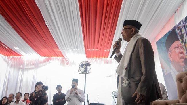 Calon wakil presiden nomor urut 01 Ma'ruf Amin berupaya mengembangkan gerakan santripreneur atau kegiatan wirausaha untuk para santri.