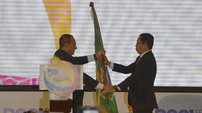Perjalanan pengurus PSSI era Edy Rahmayadi yang penuh lika-liku hingga kini tampuk kepemimpinan jatuh ke tangan Iwan Budianto sebagai pelaksana tugas.