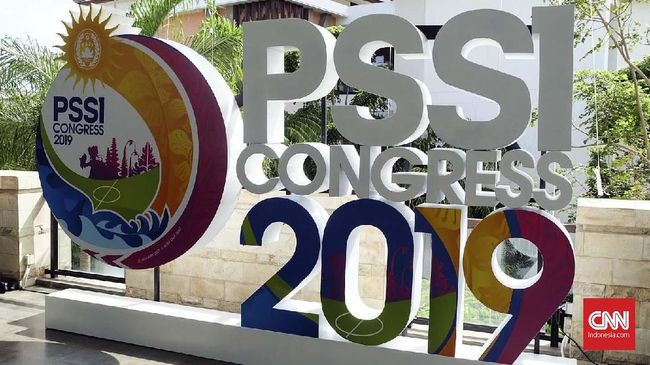 Manajer Persib Bandung Umuh Muchtar mendorong Kongres Luar Biasa (KLB) PSSI untuk digelar lebih cepat usai penahanan Joko Driyono oleh polisi.