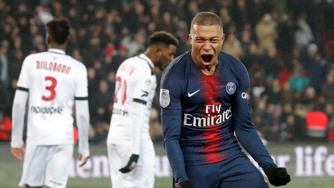 Saat undian 16 besar Liga Champions dilakukan, Paris Saint-Germain diunggulkan. Jelang laga berlangsung, Manchester United kini ada di atas angin.