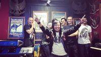 Ari Lasso Jelaskan Pose 2 Jari, Ayu Ting Ting Vs Andika 'kangen Band'
