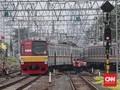 KRL Bekasi Jalan Normal, Listrik Pamulang Masih 'Byar Pet'