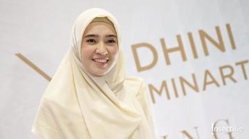 Komitmen Dhini Aminarti: Main Sinetron Harus Bareng Suami