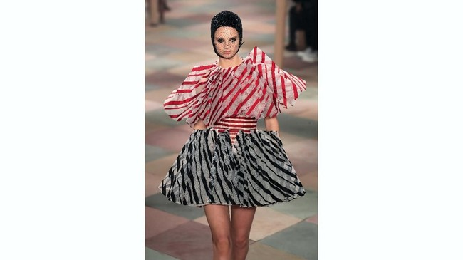 Ajang pekan mode couture di Paris dimulai dengan show Christian Dior Haute Couture. Koleksi Dior ini diperuntukkan sebagai koleksi Musim Panas 2019.