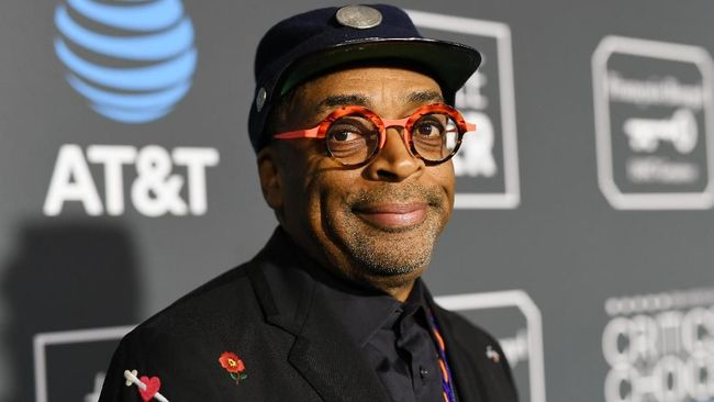 SANTA MONICA, CA - JANUARY 13: Spike Lee attends the 24th annual Critics' Choice Awards at Barker Hangar on January 13, 2019 in Santa Monica, California.   Emma McIntyre/Getty Images for The Critics' Choice Awards/AFP