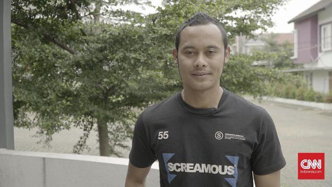 Mantan kapten Persib Bandung Atep menceritakan awal kariernya di Persija, kegembiraan bergabung dengan Persib, hingga kesedihan didepak tim Maung Bandung.