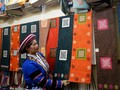 FOTO: Melawan Perdagangan Manusia dengan Tenun
