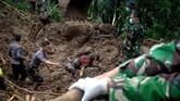 Seiring curah hujan yang tinggi sejak awal pekan ini, bencana banjir dan longsor terjadi di Kabupaten Gowa, Sulawesi Selatan.