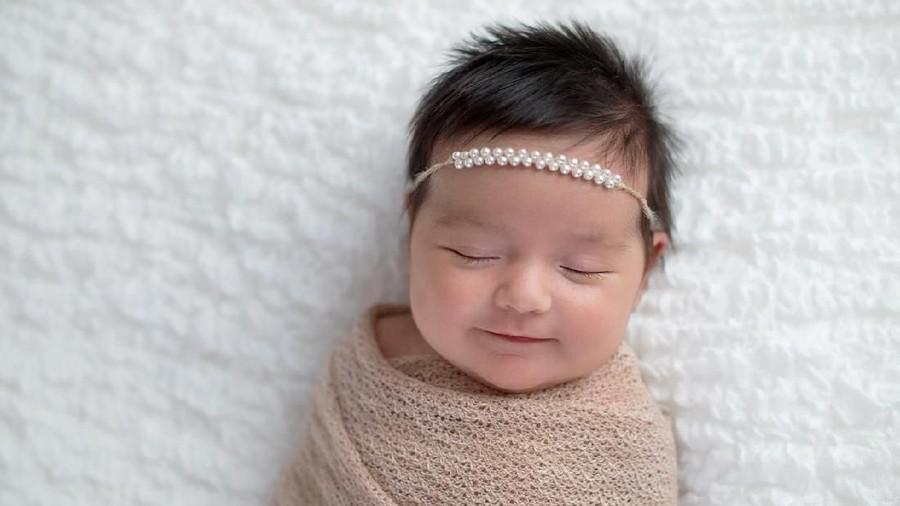 20 Nama Bayi Perempuan Islami Bermakna Sukses