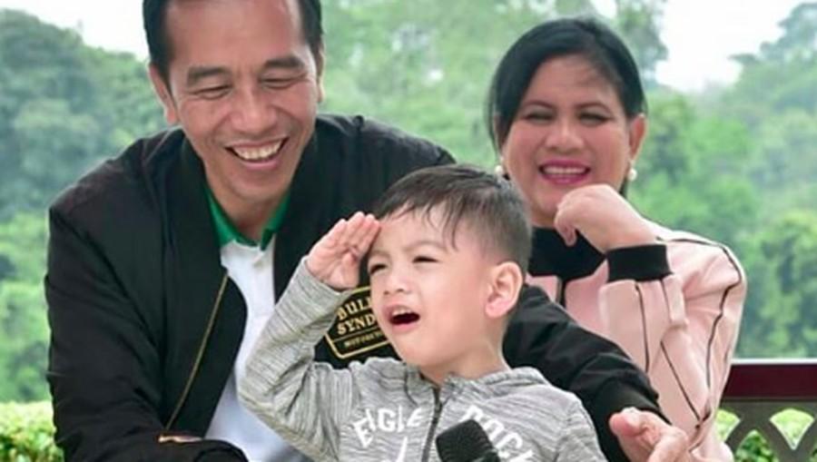 Manfaat Ajak Anak Ibadah Seperti Dilakukan Jokowi pada Jan Ethes