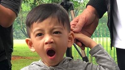 10 Potret Menggemaskan Cucu Jokowi, Jan Ethes