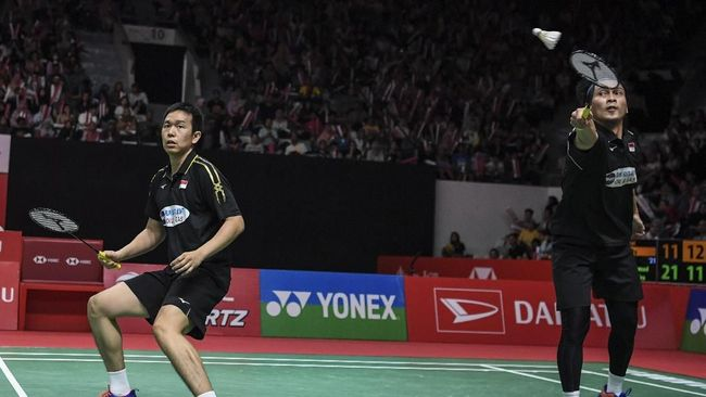 Berikut jadwal final Indonesia Masters 2019 termasuk tiga pasangan tuan rumah dalam partai puncak yang berlangsung, Minggu (27/1) di Istora Senayan, Jakarta.