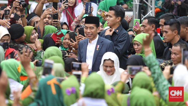 Presiden Jokowi dalam peringatan Harlah Muslimat NU ke-73 menginginkan Islam moderat terus digaungkan. Ia juga ingin sikap toleransi antar masyarakat dijaga.