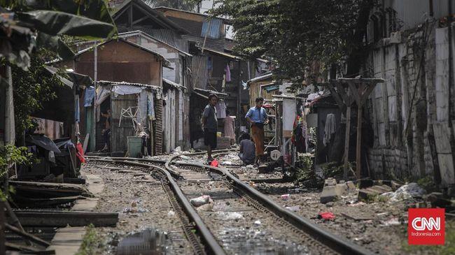 Bappenas menyatakan Indonesia sulit mengatasi kemiskinan dan pengangguran jika ekonomi hanya tumbuh 5 persen seperti sekarang.