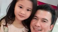 <p>Happy-nya Ayah Mandala Shoji saat menghabiskan waktu bareng Zara. (Foto: Instagram @mandala_abadi_shoji)</p>