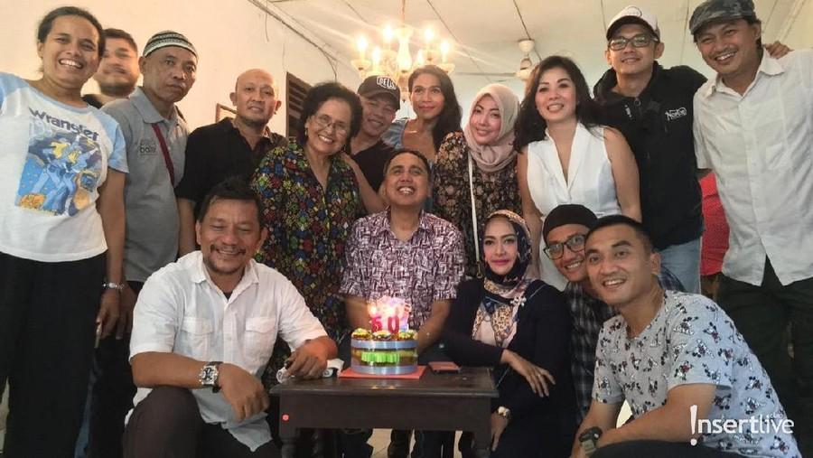 Kebahagiaan Gugun Gondrong Rayakan Ulang Tahun Ke-50