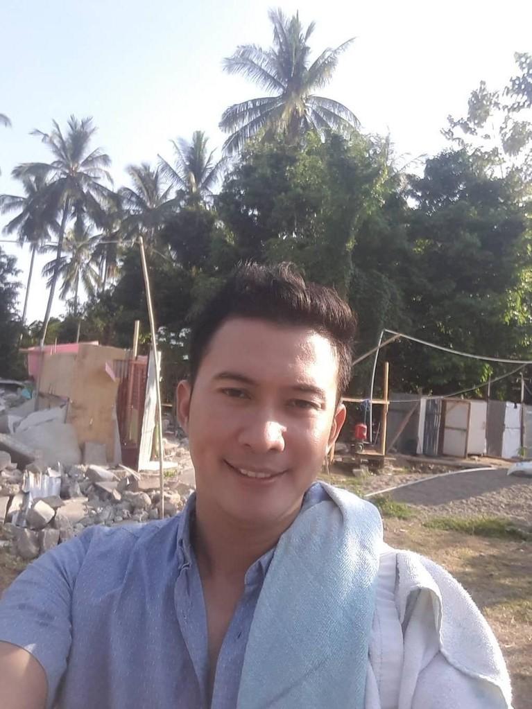 Saat masa kampanye, Mandala tertangkap membagikan kupondoorprizedi daerah Pasar Gembrong Lama. Ia pun didakwa bersama rekan calegnya atas pelanggaran itu.