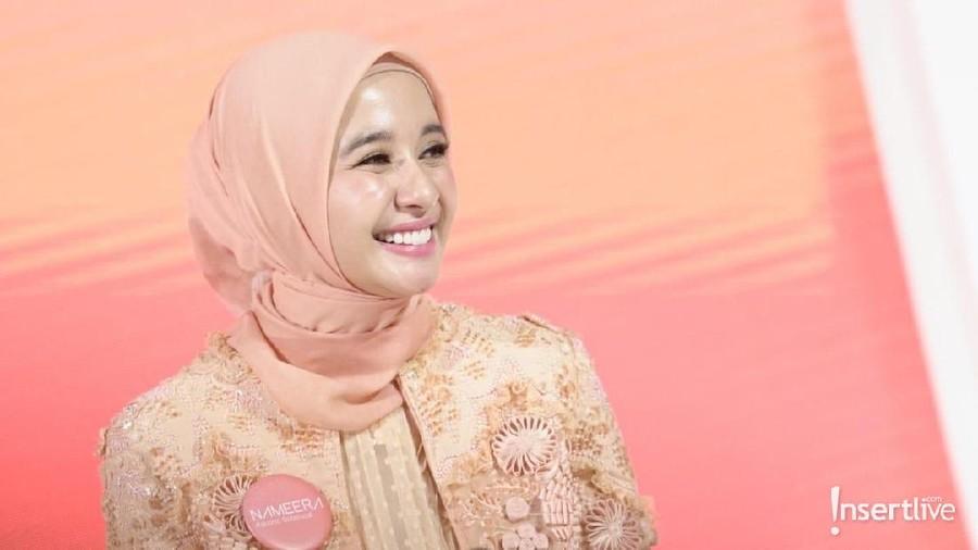 Lima Inspirasi Hijab Artis yang Super Modis!