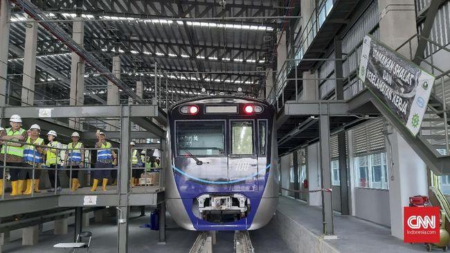 Ide membangun MRT tercetus sejak 1985. Proyek senilai Rp16 triliun ini akhirnya berhasil dirampungkan dan mulai uji coba untuk masyarakat umum mulai hari ini.