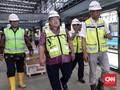 Bambang Brodjonegoro Jajal MRT dengan Anak dan Istri