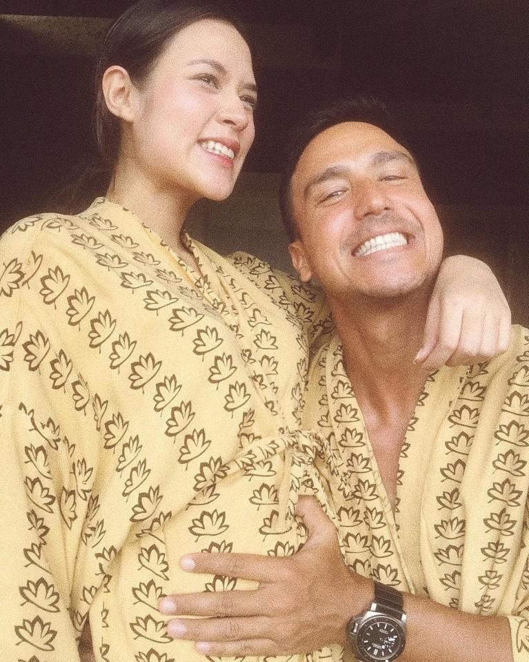 Potretmesra Raisa dan Hamish saat awal kehamilan Raisa ini sukses bikin gemes ya.
