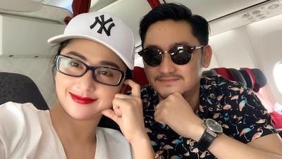 Intip Momen Manis Dewi Perssik dan Suami Saat Liburan