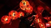 Komunitas Pecinan Semarang untuk Pariwisata menggelar Pasar Imlek Semawis untuk memeriahkan Tahun Baru China.