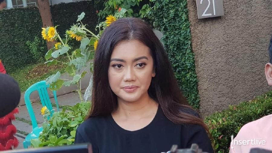 Meski Sedih, Nia Perez & Ruben Onsu Tetap Dukung Della