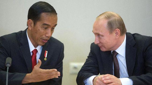 Presiden Rusia, Vladimir Putin, menghubungi Presiden Joko Widodo untuk menyampaikan belasungkawa atas insiden KRI Nanggala-402 yang menewaskan 53 awaknya.