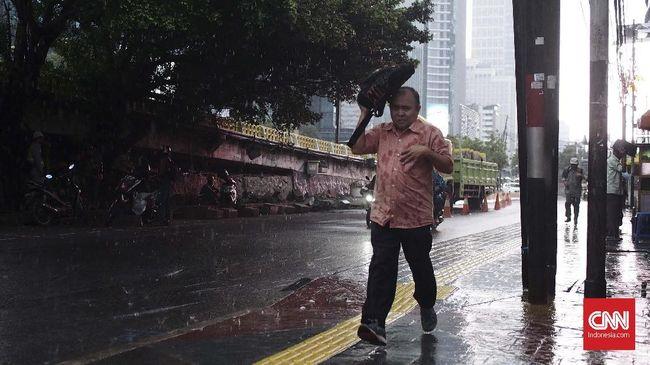 BPPT menyebut hujan buatan adalah solusi jangka pendek dari polusi udara di Jakarta.