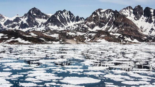 Institut Meteorologi Denmark melaporkan suhu musim panas lebih dari dua kali lipat yang normal terjadi di Greenland utara.