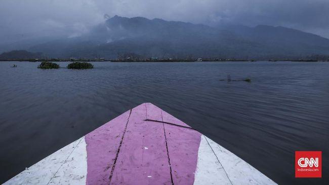 Ratusan wisatawan di Kalimantan Barat memilih untuk berwisata ke Taman Nasional Danau Sentarum.