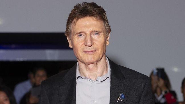 Aktor Liam Neeson kembali menyatakan permohonan maaf terkait pernyataannya ingin 'memburu dan membunuh' seorang kulit hitam, beberapa dekade lalu.
