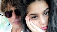 <p>Suhana Khan, sang anak kedua juga tumbuh menjadi gadis cantik yang sangat dekat dengan ayahnya. Suhana kini berusia 18 tahun, dengan wajah yang mirip sang bunda. (Foto: Instagram: @iamsrk)</p>