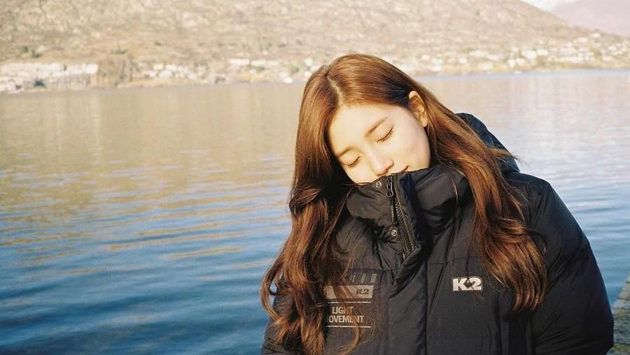 Gara-gara Foto Ini, Bae Suzy Dicurigai Jalan Bareng Sehun EXO