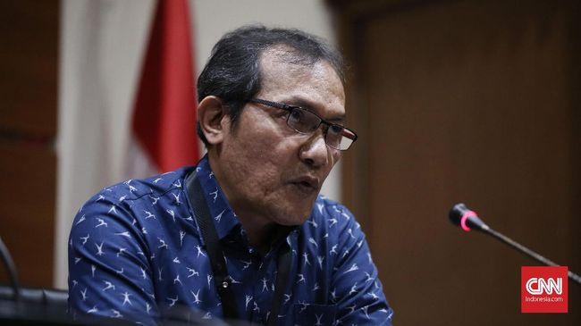 KP Kmenyerahkan ke polisi terkait dugaan penganiayaan dua pegawainya, dan enggan meladeni tudingan menghapus percakapan WA berisi rencana OTT Lukas Enembe.