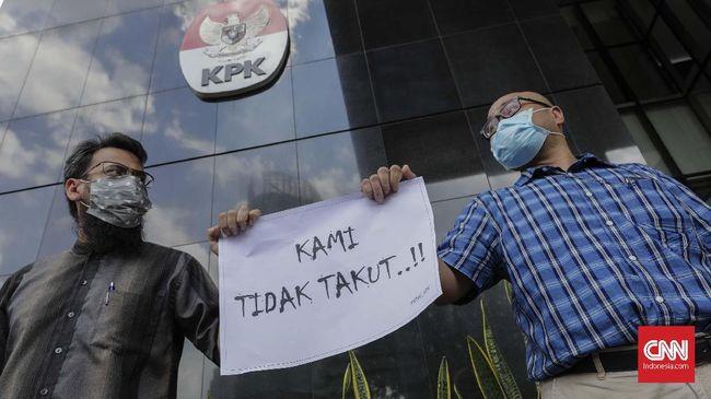 Kuasa Hukum Sespri Papua, Roy Rening juga meminta kepada kepolisian untuk melakukan pemeriksaan di Jayapura dalam kasus penganiayaan pegawai KPK.