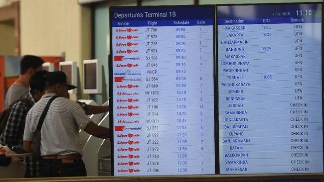 PT Angkasa Pura I memperkirakan jumlah penumpang Bandara Internasional Juanda, Sidoarjo pada Ramadan dan Lebaran tahun ini turun 22 persen dibanding tahun lalu.