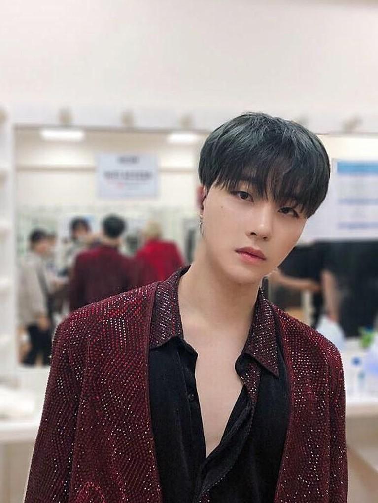 Penampilan keren Jay saat konser iKON 2018 CONTINUE TOUR di Thunder Dome, Thailand, pada 30 Oktober lalu.