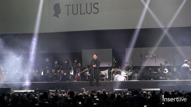 Konser Monokrom Tulus digelar kemarin, Rabu (6/2), di Istora Senayan, Jakarta.