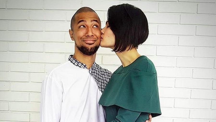 Ucapan Manis Rima Melati Adams untuk Suami di Ultah Pernikahan