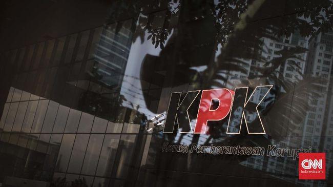 10 saksi diperiksa untuk tersangka Kepala Bagian Keuangan dan Risiko Divisi II PT Waskita Karya periode 2010-2014 Yuly Ariandi Siregar.