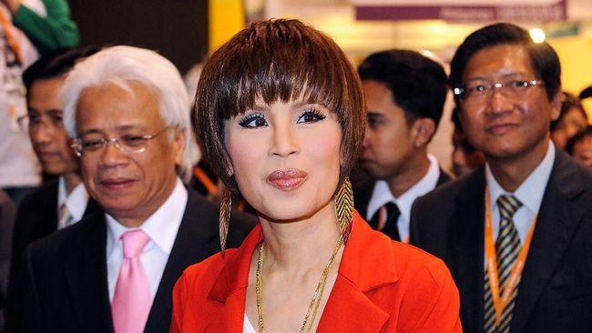 Putri Ubolratana Rajakanya Sirivadhana Barnavadi berkomitmen mematuhi perintah Raja Thailand Maha Vajiralongkorn untuk batal maju sebagai perdana menteri.