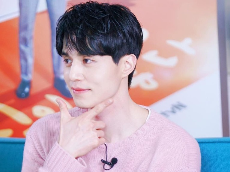 Lee Dong Wook, memulai perjalanan barunya di drama terbaru, Touch Your Heart. Insertizen yang mau lihat pesona aktor tampan ini, lihat artikelnya yuk!