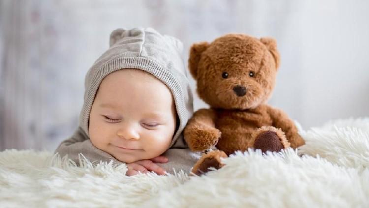 30 Inspirasi Nama Bayi Laki-laki dengan Arti Cinta