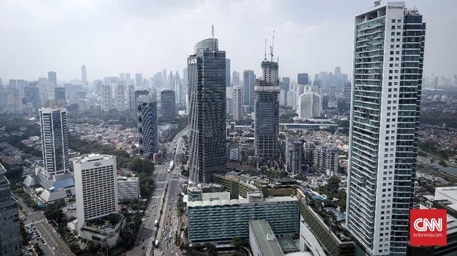 Gedung perkantoran di kawasan MH Thamrin, Jakarta,Jumat, 8 Februari 2019. Badan Pusat Statistik (BPS) mencatat pertumbuhan ekonomi sepanjang 2018 sebesar 5,17 persen. Pertumbuhan ekonomi tersebut memang lebih tinggi dari capaian 2017 sebesar 5,07 persen, tetapi jauh di bawah target Anggaran Pendapatan dan Belanja Negara (APBN) yang dipatok 5,4 persen. CNNIndonesia/Safir Makki