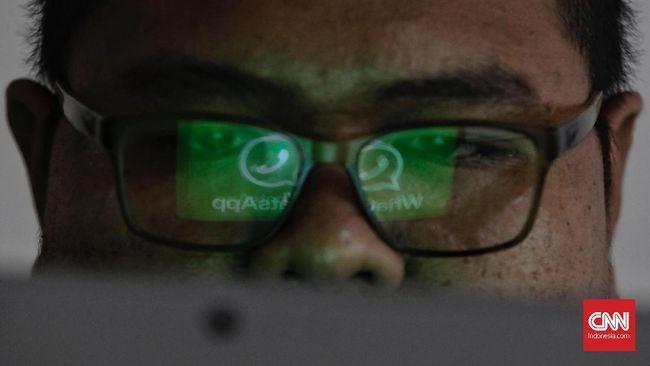 Rencana pemerintah mengawasi grup WhatsApp disebut sebagai upaya menciptakan masyarakat disiplin tanpa melalui kekerasan.